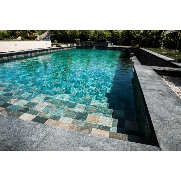 Kit construction piscine b ton peinte carrel e eclairage led for Kit piscine miroir